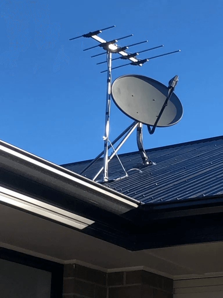 T&R Digital Antenna Installations - Gallery Antenna Installation Near the Roof Gutter with Dish