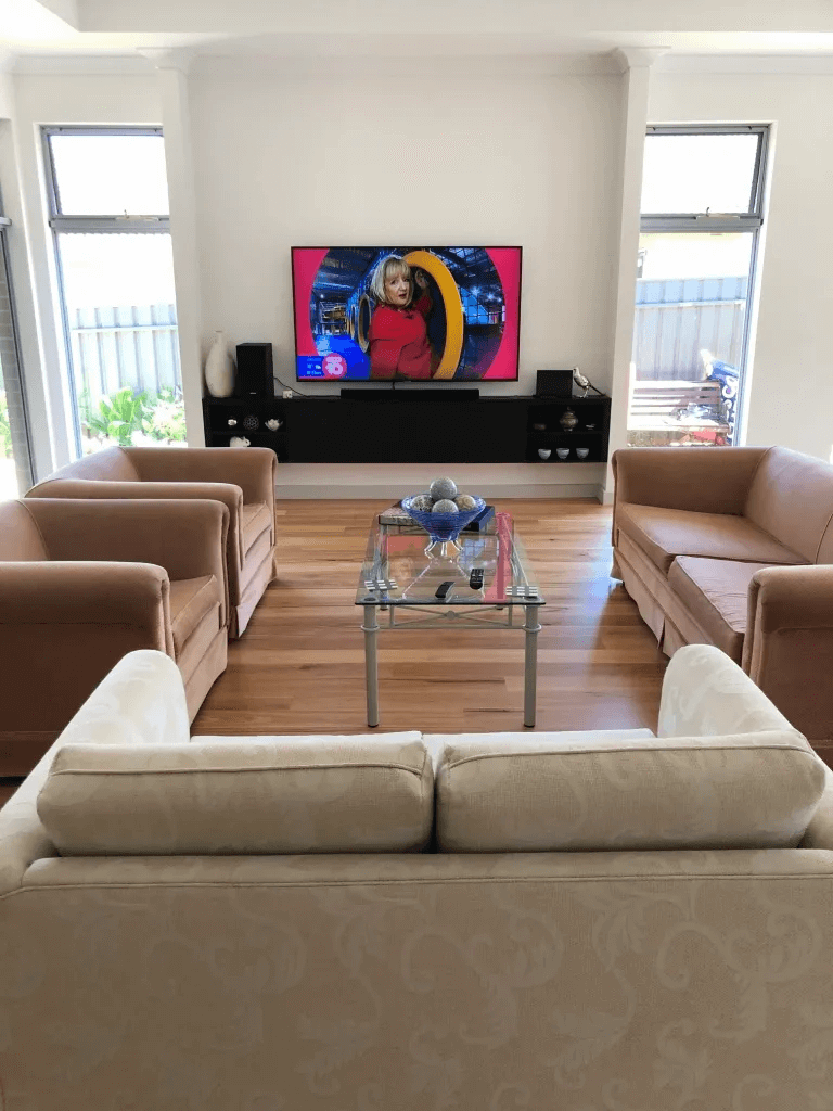 T&R Digital Antenna Installations - Gallery High Definition TV on the Wall in Wide Room