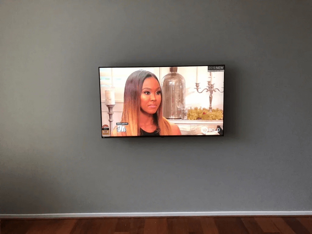 T&R Digital Antenna Installations - Gallery High Definition TV on the Wide Wall