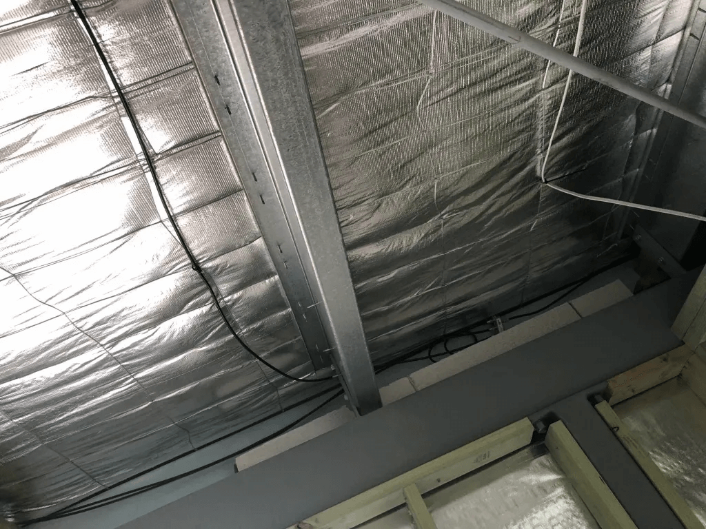 T&R Digital Antenna Installations - Gallery Roof with Heating Protection Closeup