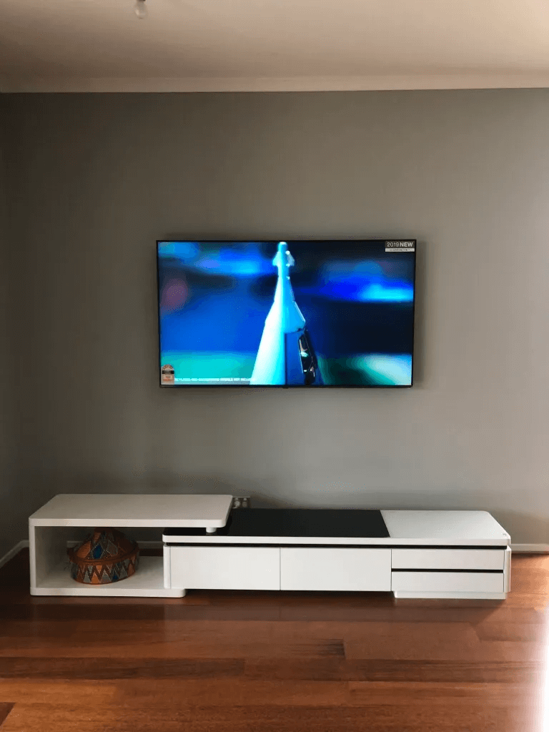 T&R Digital Antenna Installations - High Definition Digital TV on the Wall